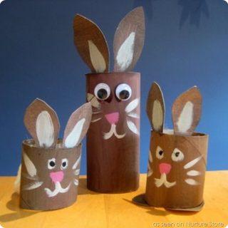 Come fare i coniglietti con rotoli di carta igienica (e altro)
