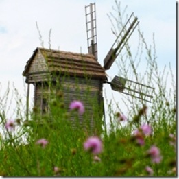 1300947_old_windmill_1
