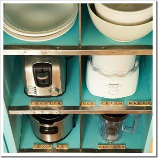 Come organizzare la cucina con etichette di legno