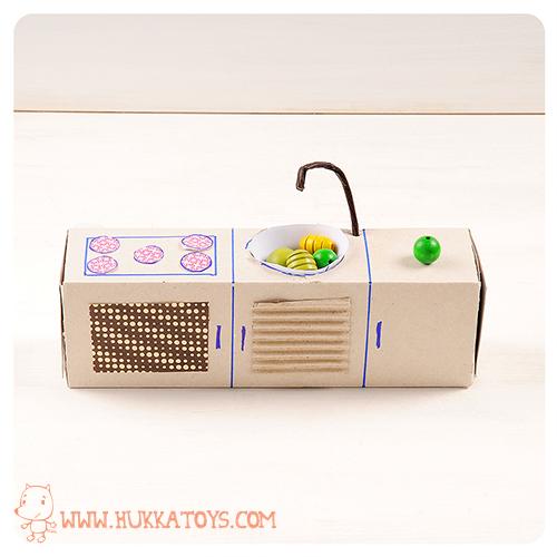 La casa delle bambole di cartone creativa ed ecologica babygreen - Come costruire una casa in miniatura ...