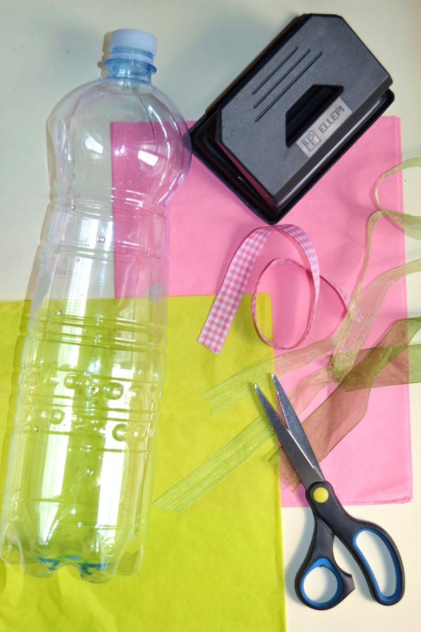 Occorrente per cestini di Pasqua da bottiglie di plastica