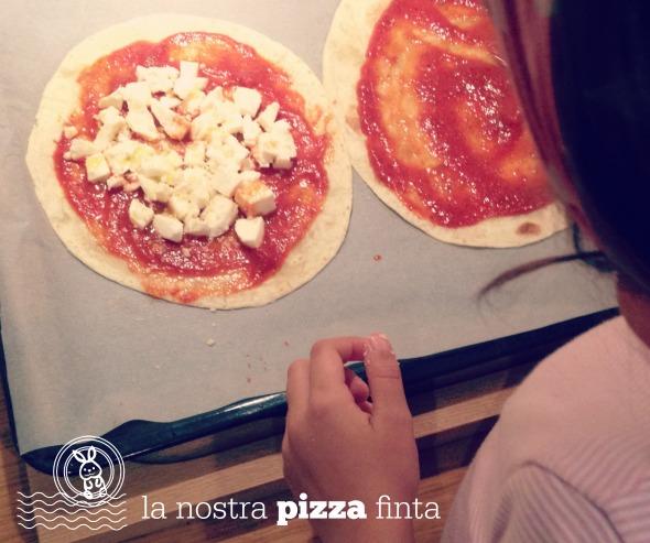 Preparare la pizza finta