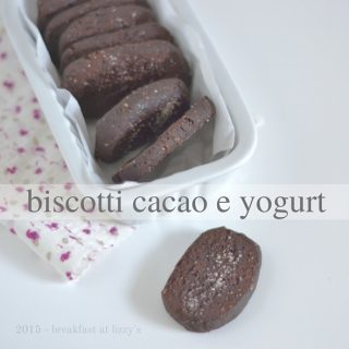 Biscotti al cacao e yogurt