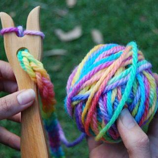 Attività Montessori: la forcella di legno