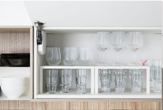 10 idee per organizzare una cucina piccola babygreen for Mensole cucina ikea