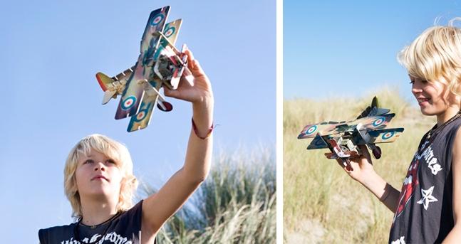 cardboard-airplane-3d