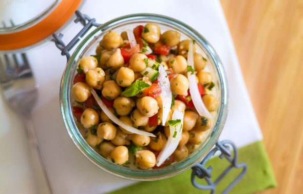 chickpea-salad-in-a-jar-recipe