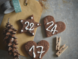Biscotti decorati per calendario dell'Avvento