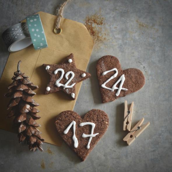 Biscotti decorati per calendario dell'Avvento