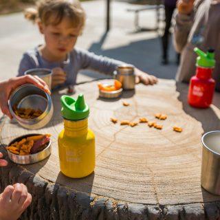 Trekking, picnic, gite e montagna con i bambini: cosa portare? Ce lo dice Bimbiallaria