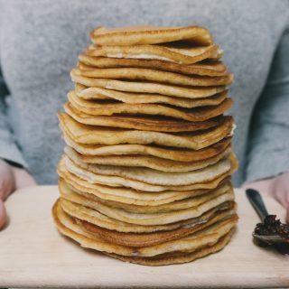 Pancakes: la ricetta semplice (3 ingredienti in 5 minuti)
