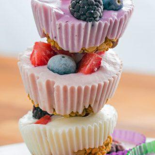 Granola cups con frozen yogurt: ricetta