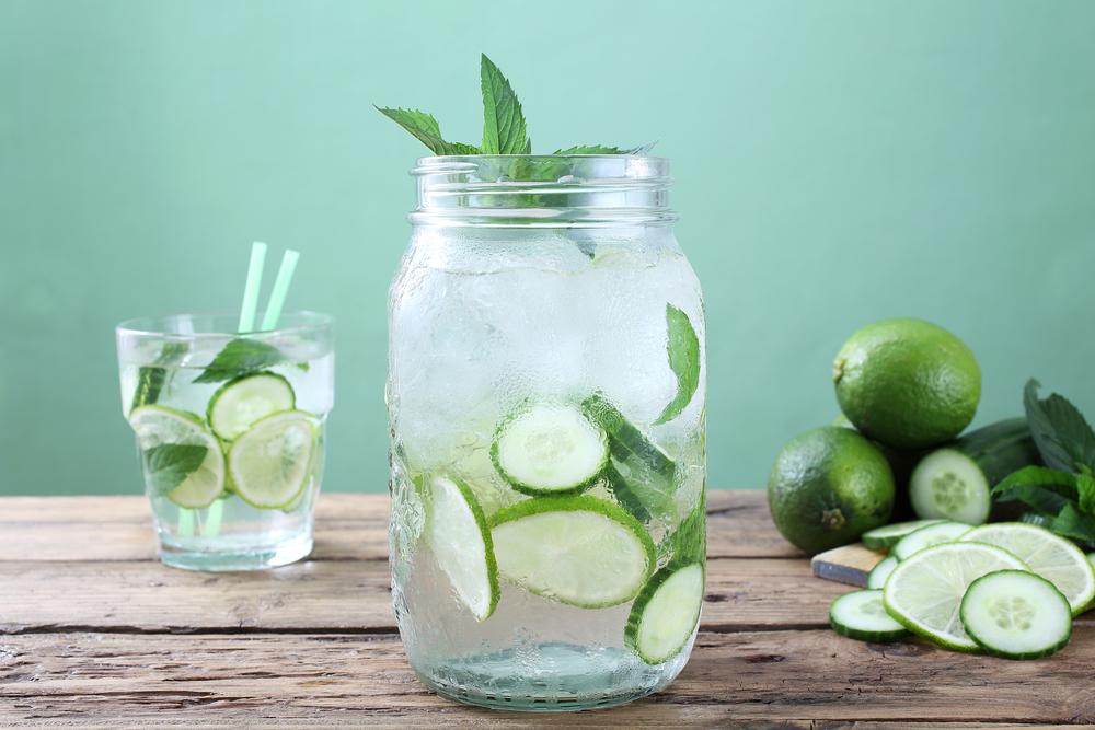 acqua-bottiglia-vetro-plastica
