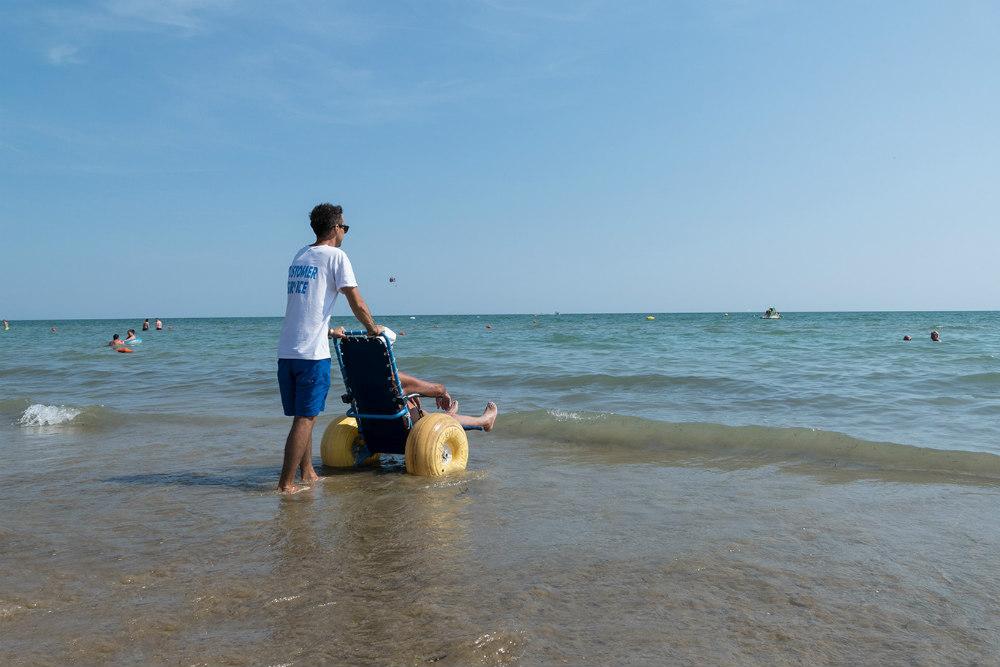 bibione spiaggia accessibile alle carrozzine