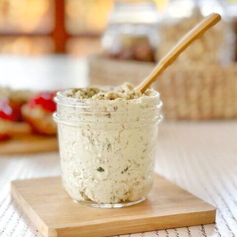formaggio-spalmabile-vegano-elle-erbe-1